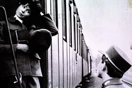 Il treno io l'ho preso e ho fatto bene spago sulla mia valigia non ce n'era solo un pò d'amore la teneva insieme