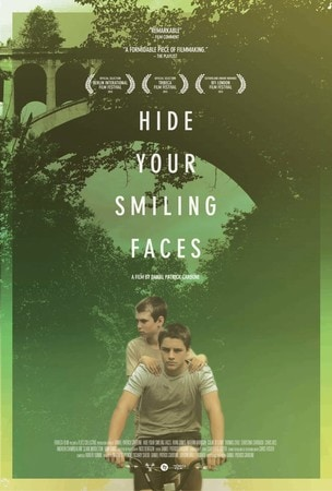 locandina di Hide Your Smiling Faces