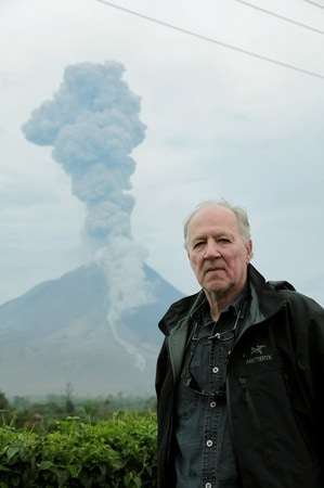 """Man, Relax!"", ovvero: Werner Herzog fa cose."