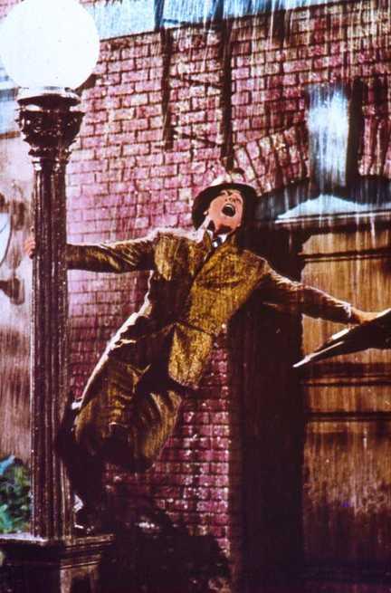 1/6 - Cantando sotto la pioggia