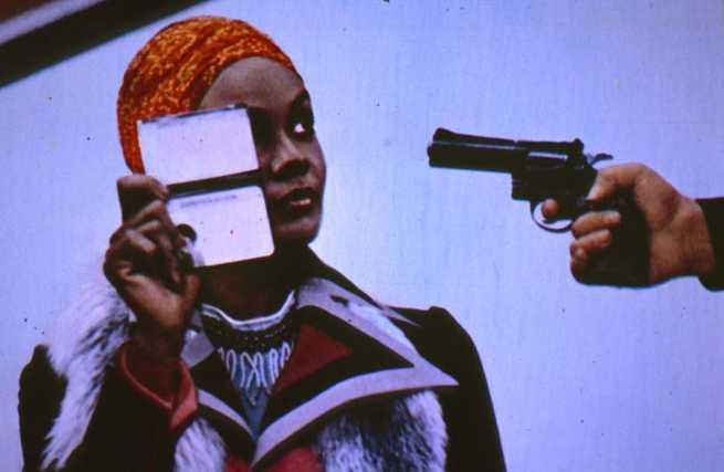 2/5 - Cleopatra Jones: licenza di uccidere