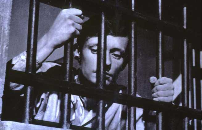 1/3 - Un condannato a morte è fuggito