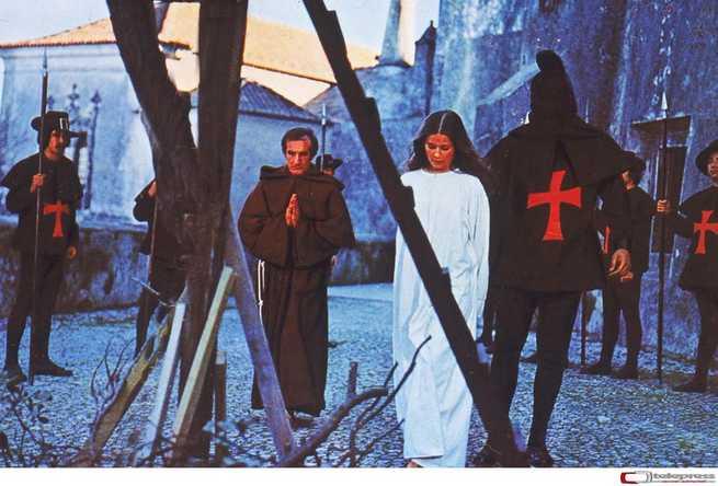 2/3 - Confessioni proibite di una monaca adolescente