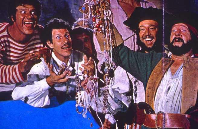 2/4 - Franco, Ciccio e il pirata Barbanera