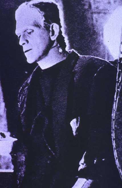 2/5 - Frankenstein