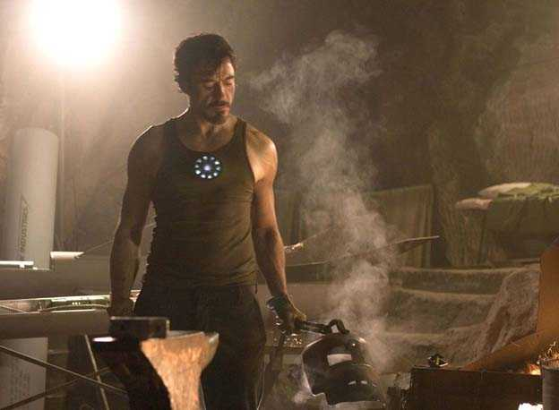 2/7 - Iron Man