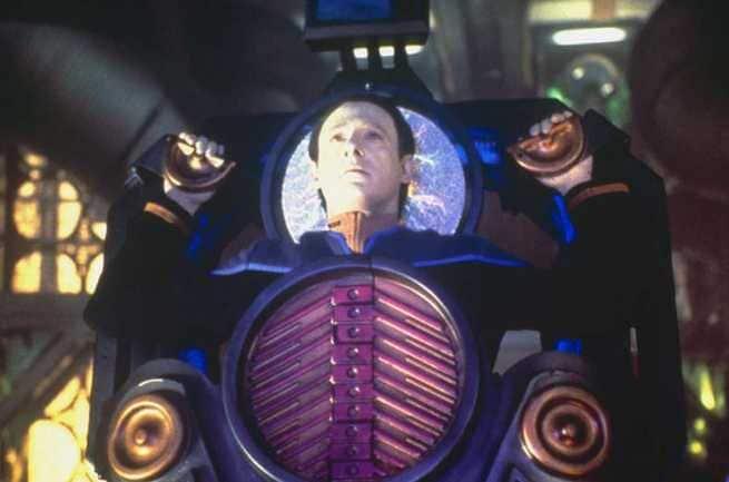 2/5 - Star Trek: Primo contatto