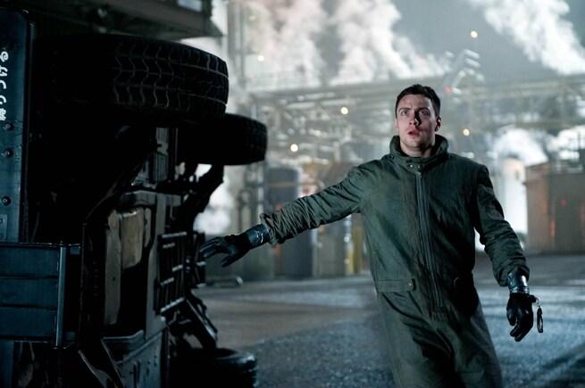 2/2 - Godzilla
