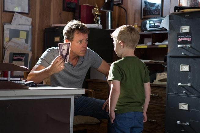 Greg Kinnear, Connor Corum
