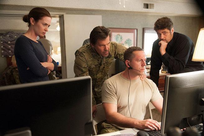 Emily Blunt, Josh Brolin, Benicio Del Toro