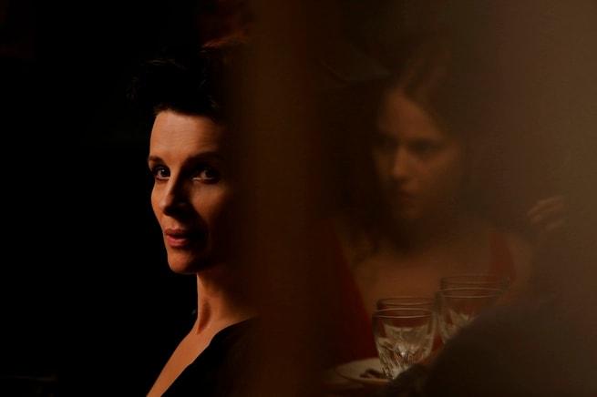 Juliette Binoche, Lou de Laâge