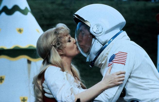 2/4 - Un astronauta alla Tavola Rotonda