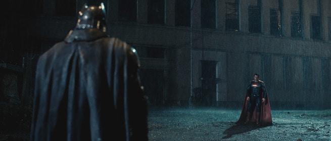 2/7 - Batman v Superman: Dawn of Justice