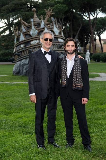Andrea Bocelli, Toby Sebastian