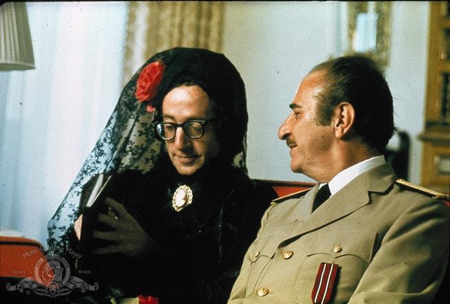2/7 - Il dittatore dello Stato libero di Bananas