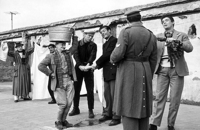Totò, Carlo Pisacane, Renato Salvatori, Marcello Mastroianni, Vittorio Gassman