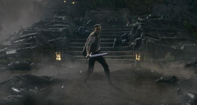 1/4 - King Arthur: Il potere della spada