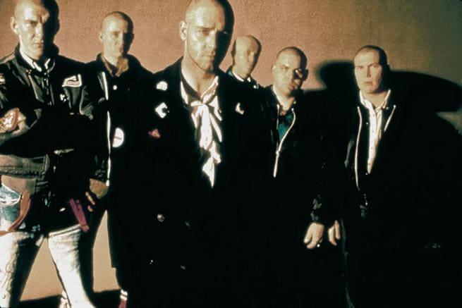2/4 - Skinheads