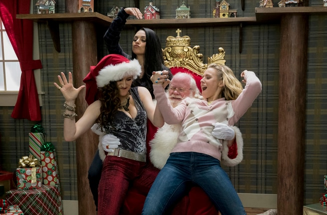 Kathryn Hahn, Mila Kunis, Kristen Bell