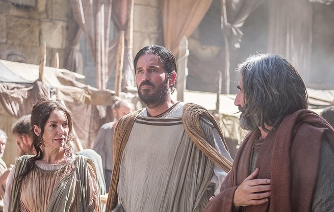 Jim Caviezel, Joanne Whalley, John Lynch