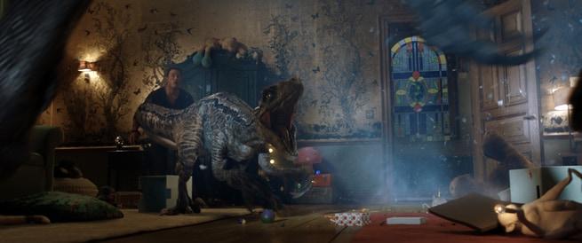 2/6 - Jurassic World: Il regno distrutto