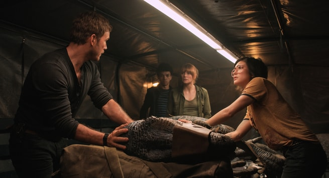 2/7 - Jurassic World: Il regno distrutto