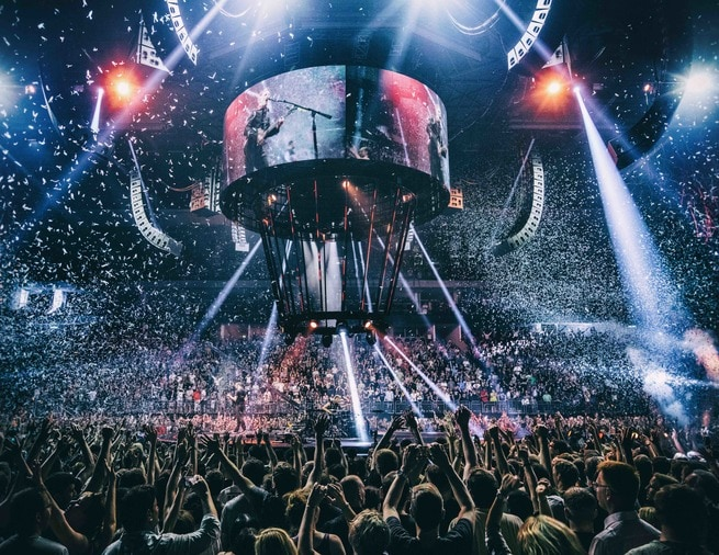 1/0 - Muse: Drones World Tour