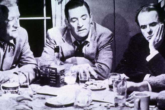 Joe Sawyer, Ted De Corsia, Elisha Cook jr.
