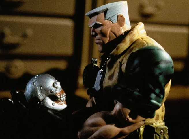 2/7 - Small Soldiers