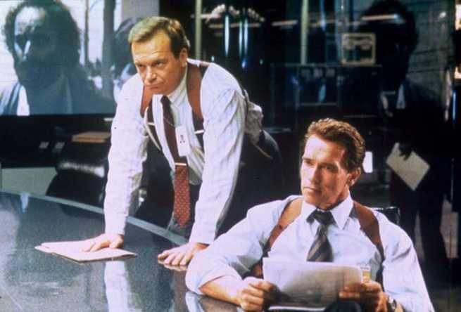 Arnold Schwarzenegger, Tom Arnold