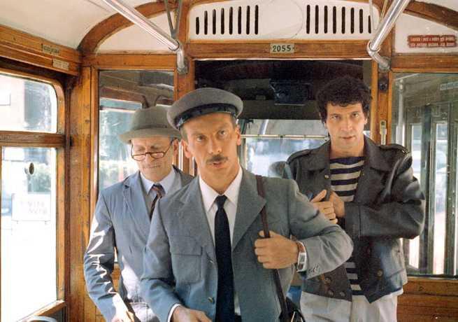 Recensione Su Tre Uomini E Una Gamba 1997 Di Ilgrancinematografo Filmtv It