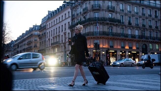 A LADY IN PARIS: RELAZIONARSI CON LA VITA E LA MORTE