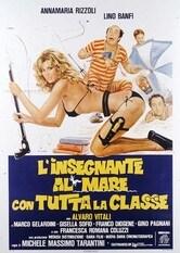 L'insegnante al mare con tutta la classe