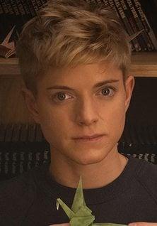 Mae Martin