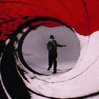 007. Il mito non muore mai.