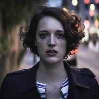 "In Serie (37) : ""<b>FleaBag</b>"" (stag. 1) : One Broke Girl."