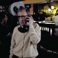 Sperando che i cinema riaprano presto, medito sul fatto che sono diventato Woody Allen con la faccia da Bruce Campbell
